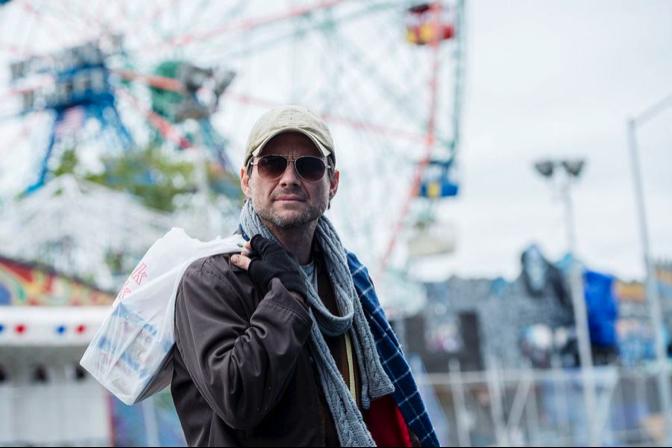 Mr. Robot at the Ferris Wheel